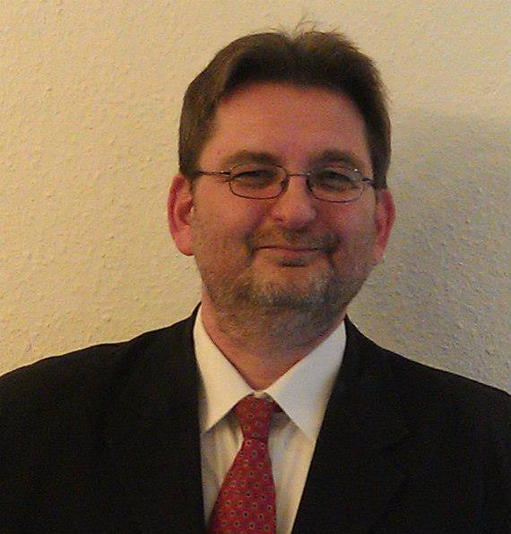 D Elia Viktor