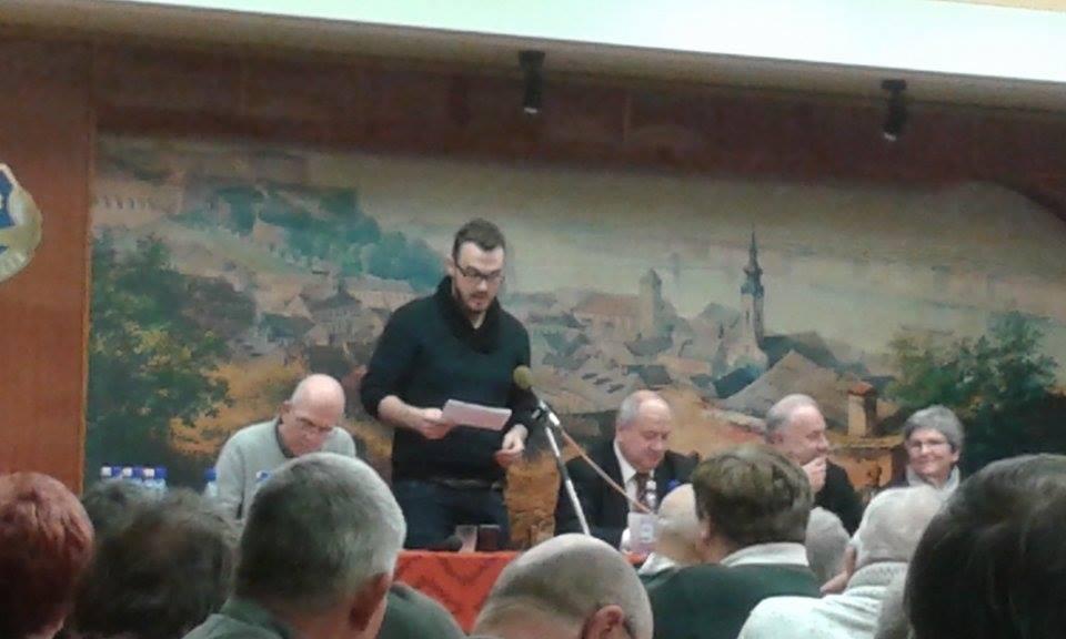 Berta Tibor beszél a közönséghez