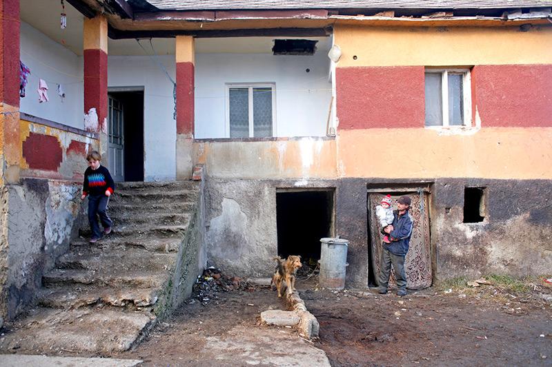 Brutális számok, minden ötödik magyar szegénynek tartja magát, a legszegényebbek havi 41.000 forintból élnek