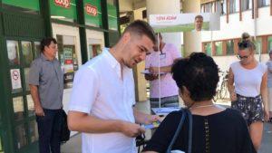 Tóth Ádám, az Igen Szolidaritás által támogatott jelölt aktív kampánnyal összegyűjtött a szükséges ajánlásokat