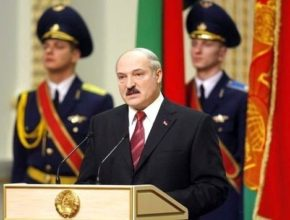 Alekszandr Lukasenko 1994 óta áll Belurosszia élén