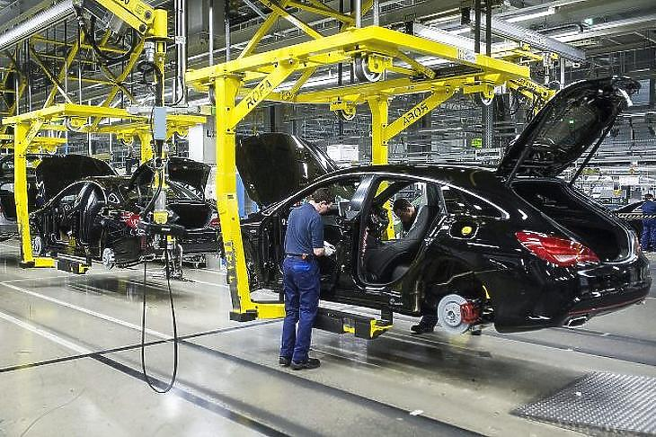 Leáll a kecskeméti Mercedes gyár