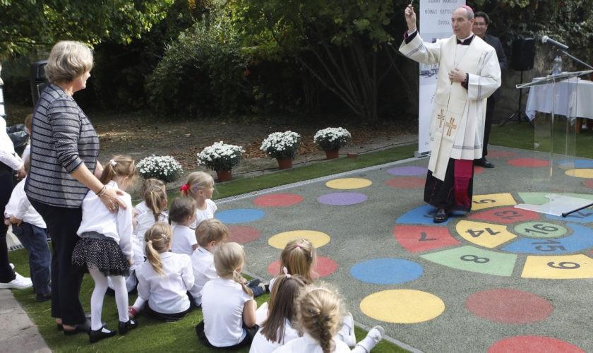 10 milliárd közpénzt kapnak óvodák építésére a papok